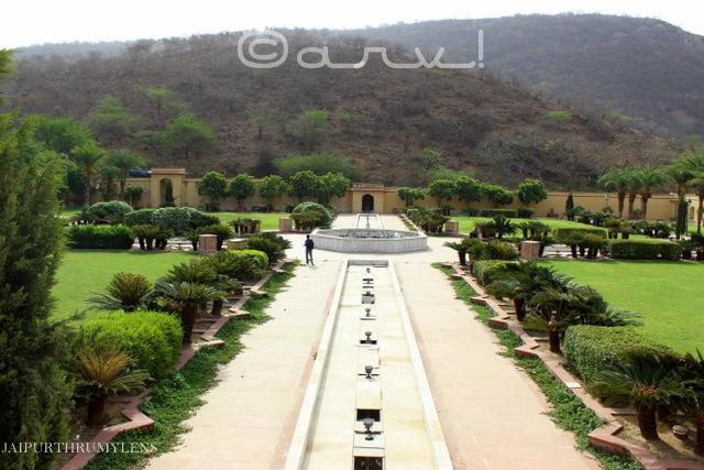 chargbagh-style-mughal-garden-sisodia-rani-bagh-jaipur