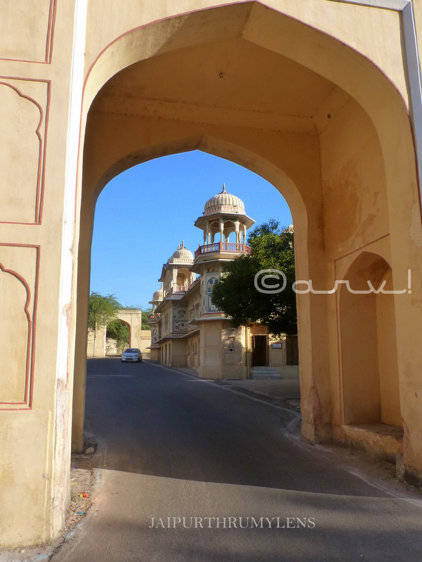 doors-of-india-rajasthani-arch-jaipur-ghat-ki-guni-architecture-photo