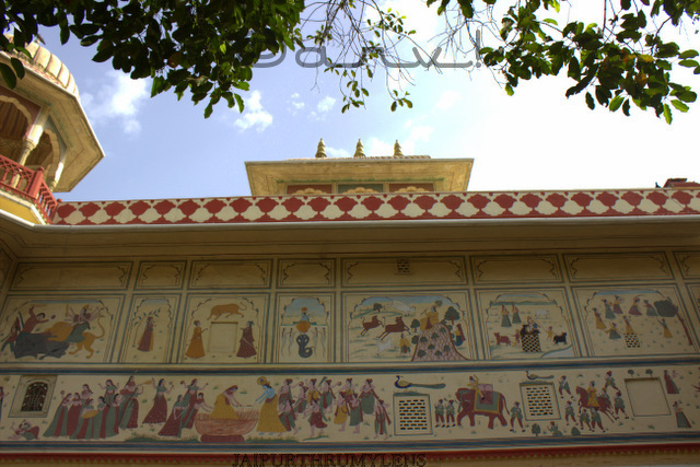 ethnic-rajasthani-painting-on-wall-jaipur