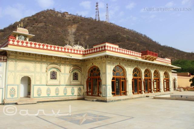 old-jaipur-architecture-sisodia-rani-ka-bagh