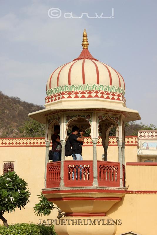 rajasthan-architecture-chhatri-jaipur-sisodia-rani-garden