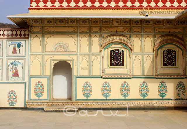 rajasthani-mural-painting-on-walls-jaipur-architecture