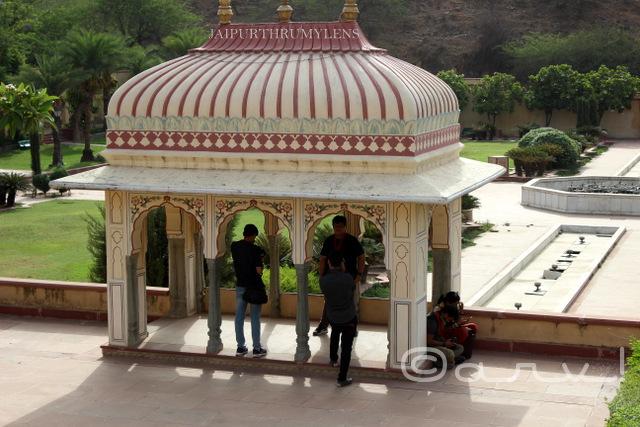 sisodia-rani-bagh-chhatri-jaipur-architecture-heritage