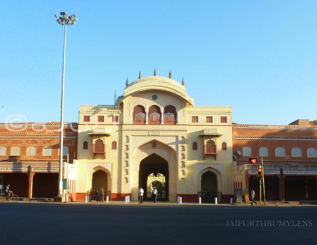 tripolia-gate-jaipur-bazar-picture