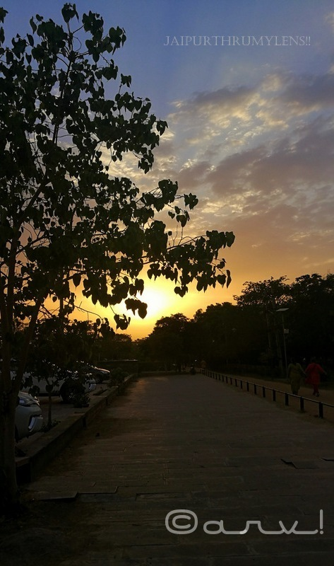 sunset-in-jaipur-central-park-skywatch-friday