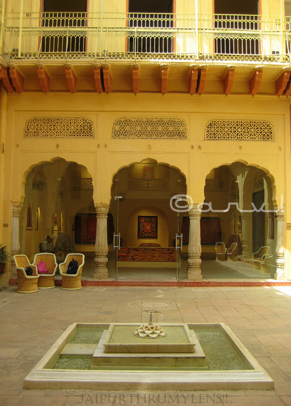 jaipur-architectural-element-old-haveli-turned-museum