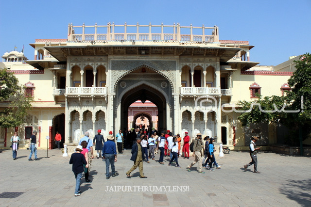 jaipur-city-palace-gate-rajendra-pol-architecture