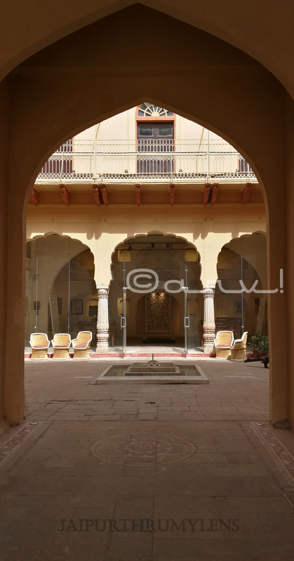 museum-of-legacies-gate-jaipur-haveli-rajasthan