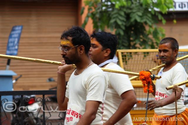 indian-street-photography-kanwariyas