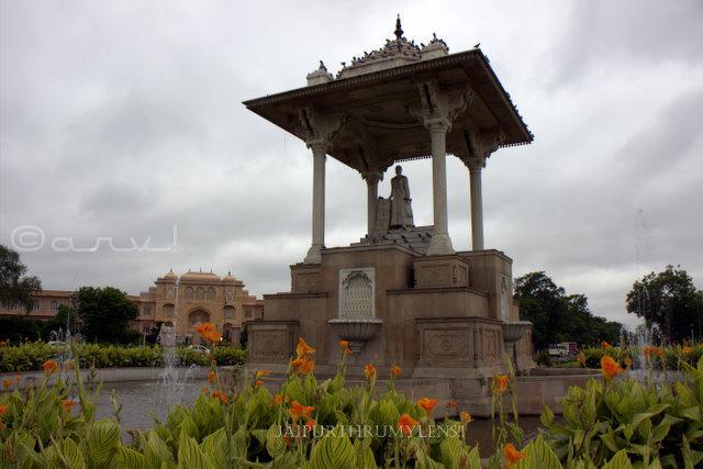 statue-circle-c-scheme-jaipur-hotels-sawai-jai-singh
