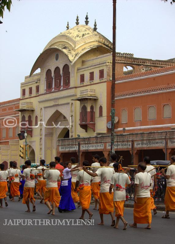 triploia-gate-market-jaipur-kanwar-yatra