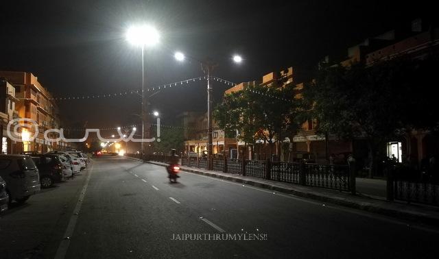 empty roads of johari bazaar in night