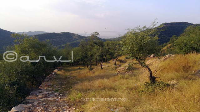 places-to-hike-in-jaipur-trekking-route