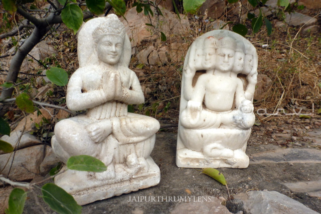 broken-idols-hindu-god-jaipur