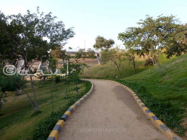 parks-for-couple-in-jaipur-dravyavati-river-front