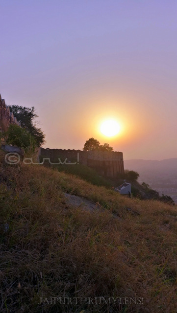 beautiful-sunrise-in-jaipur-at-nahargarh-fort