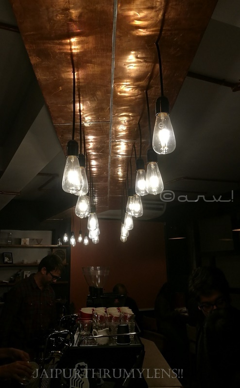 curious-life-coffee-roasters-sarojani-marg-jaipur-cafe