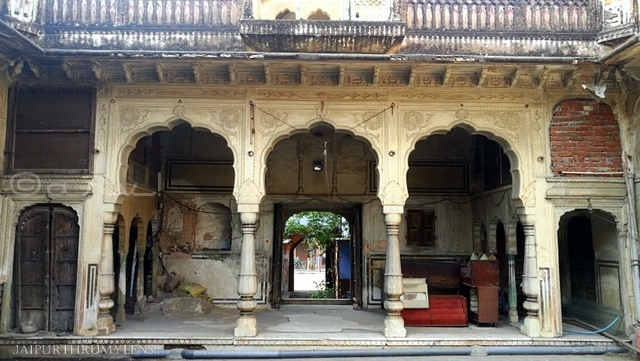 heritage-walk-old-temple-jaipur-bazaar-photo
