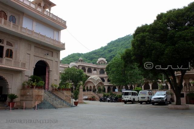 khol-ke-hanuman-ji-temple-jaipur-laxman-dungari