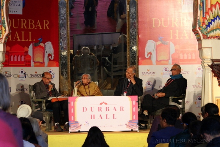 crowd-at-jlf-event-stage-durbar-hall-diggi-palace