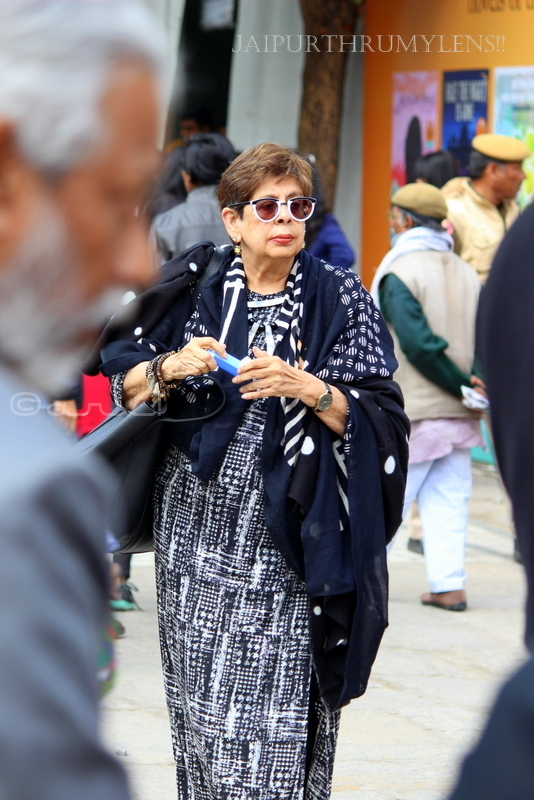 fashion-of-old-women-jaipur-literature-festival-diggi-palace