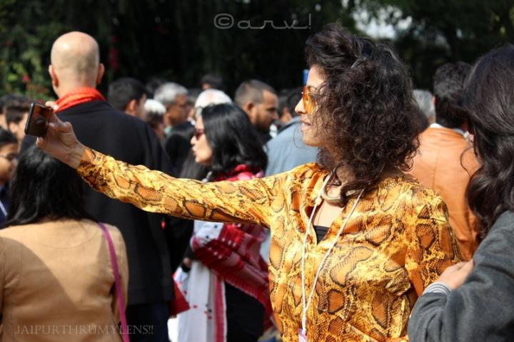 indian-girl-clicking-selfie-jaipur-literature-festival