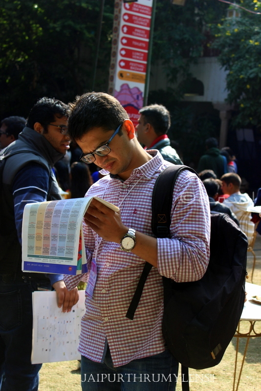 jaipur-literature-festival-man-reading-brochure