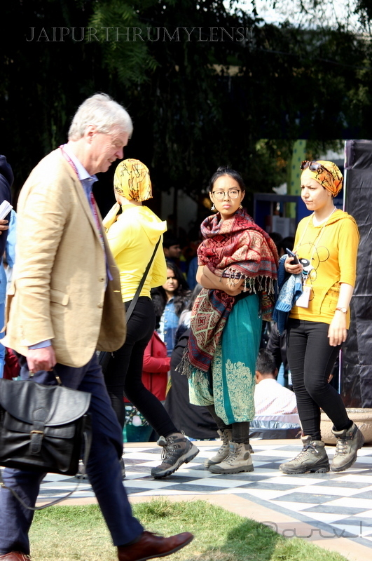 people-and-fashion-at-jaipur-literature-festival
