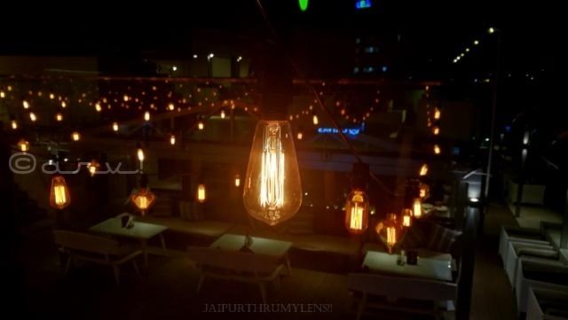rooftop-cafe-in-jaipur-hop-on