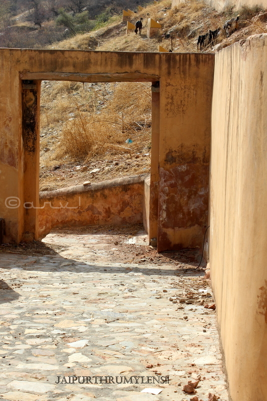 unexplored-area-amer-fort-jaipur-balidan-gate