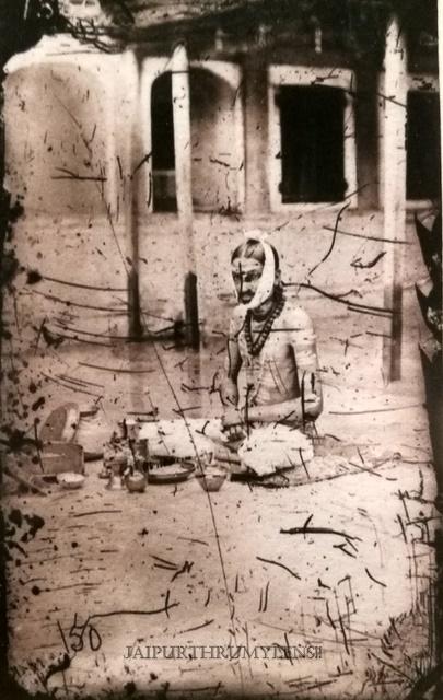 maharajah-sawai-ram-singh-ii-worshipping-vintage-picture