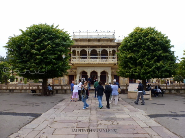 places-to-visit-jaipur-couple-city-palace-mubarak-mahal