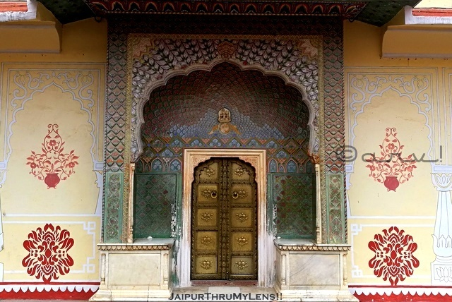rose-gate-winter-city-palace-jaipur-tour-guide