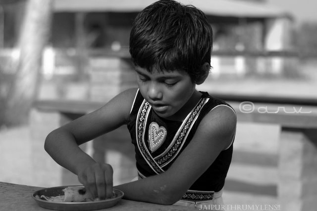 interview-street-child-india-jaipur-girl