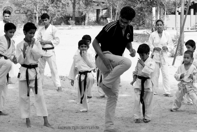 learning-karate-in-jaipur-india