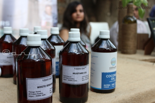 essential-oil-for-skin-manufacturers-jaipur-farmers-market