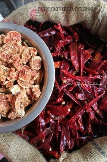 famous-spice-of-rajasthan-johri-bazaar-jaipur