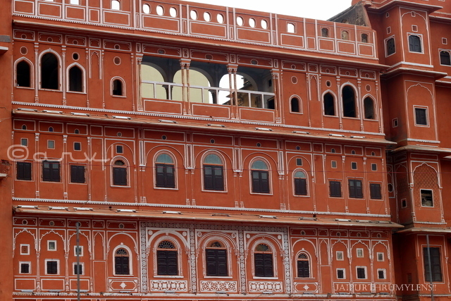 How To Do An Amazing Self Guided Heritage Walking Tour in Jaipur?