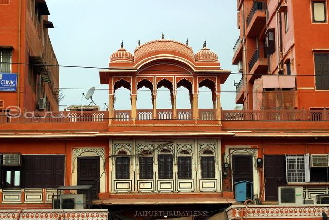 jaipur-architecture-style-chhatri-johari-bazaar
