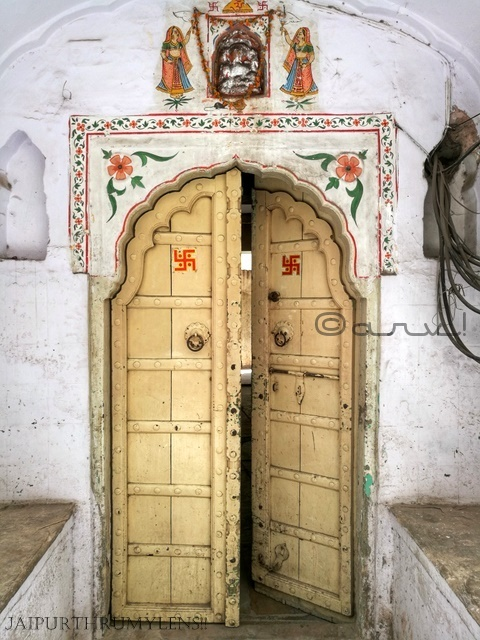 jaipur-door-old-haveli-architecture-india