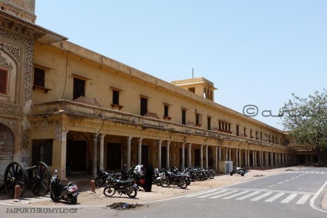 jaleb-chowk-city-palace-jaipur