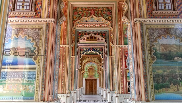 patrika-gate-rajasthani-art-wall-painting