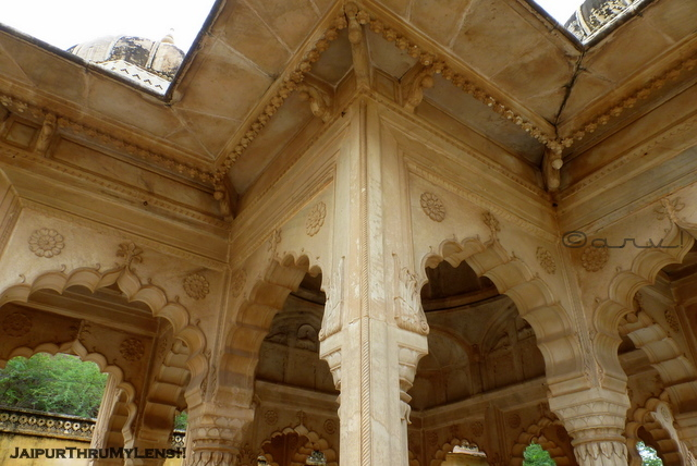 rajput-architecture-features-royal-gaitore-jaipur
