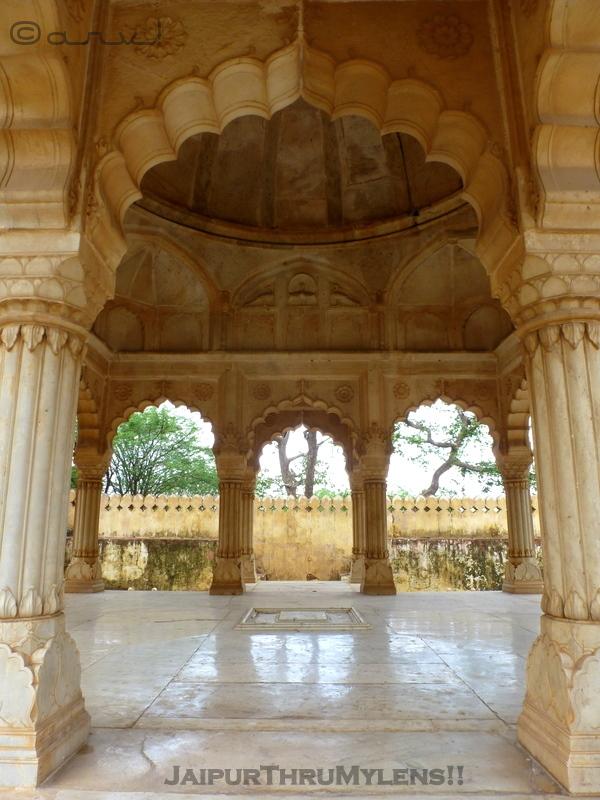 rajput-architecture-style-marble-workmanship-jaipur-gaitore