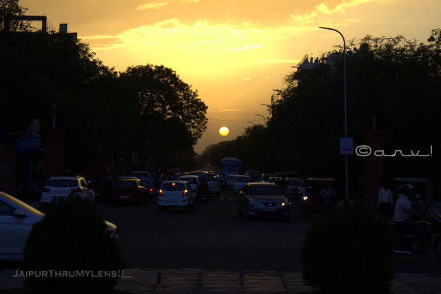 statue-circle-jaipur-sunset-point