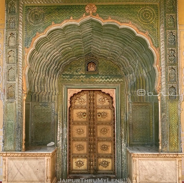 leheriya-gate-city-palace-jaipur