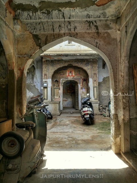 street-photography-jaipur-rajasthan-old-house