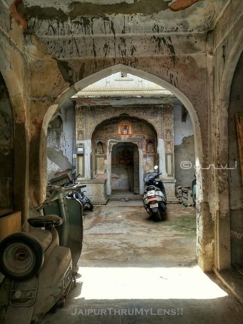 street-photography-jaipur-rajasthan-old-house