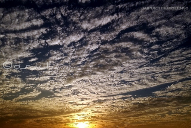 sunrise-in-jaipur-wispy-clouds-skywatch-friday