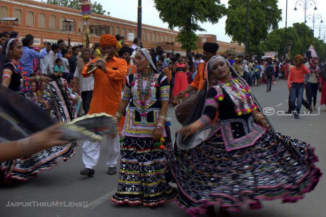 teej-festival-celebrations-jaipur-tripolia-bazaar